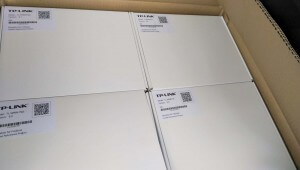 """Router in Verpackung mit Aufkleber """"Donation for Freifunk"""""""